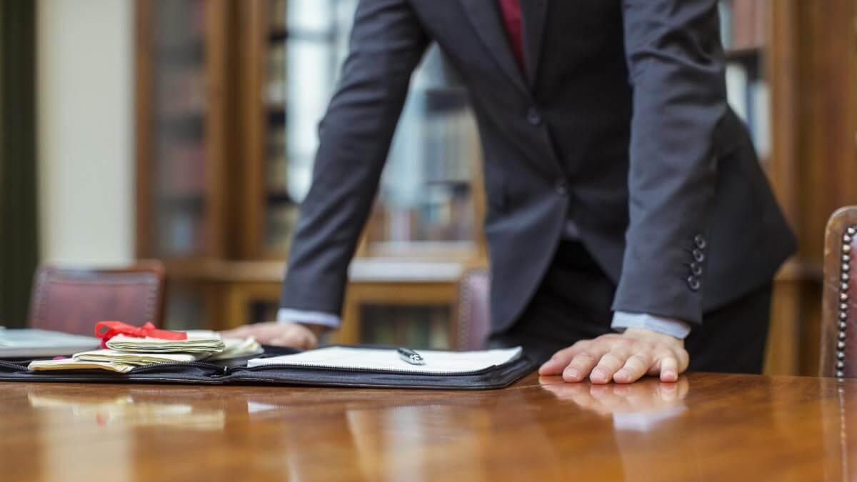 Оформление дарственной через нотариуса: этапы, необходимые документы