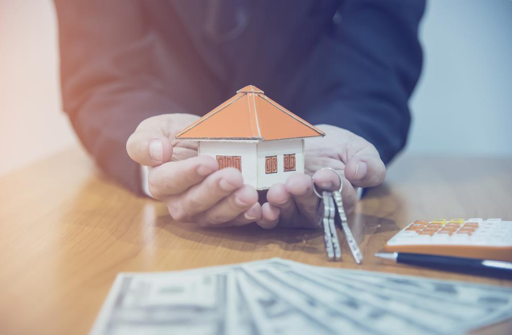Сколько стоит переоформление квартиры на нового собственника