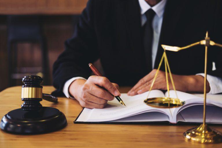Как лишить наследства наследника по закону